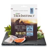 True Instinct White Fish with Salmon Freeze Dried Treats for Adult Cats 40g